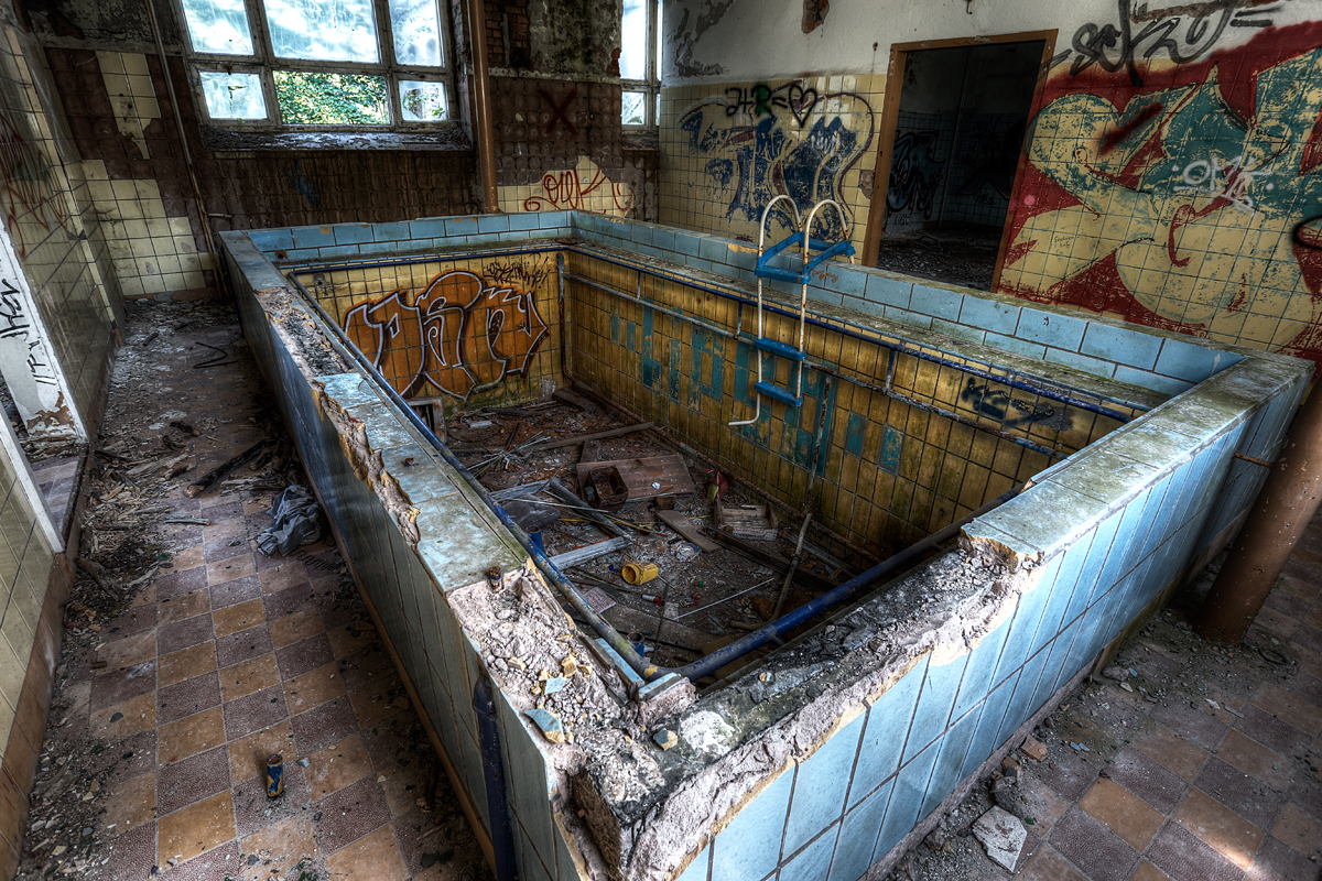 Sanatorium Pool 2